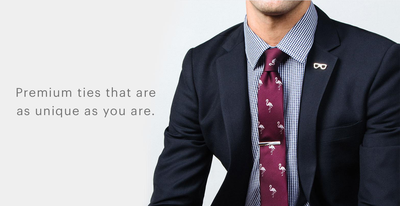 Mens 100/% Silk Somethings Fishy Swimming Fish Novelty Tie Necktie